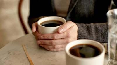 taza-cafe-manos