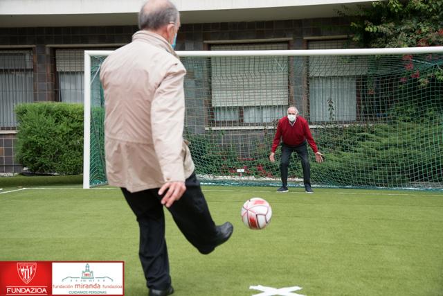 Penalty solidario por las personas mayores